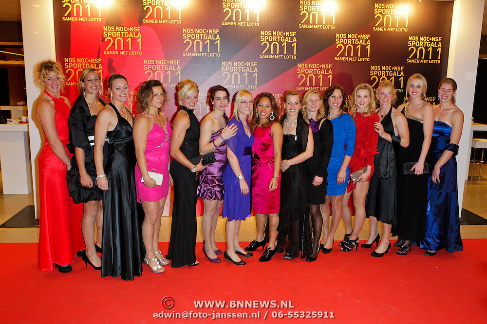 NLD/Den Haag/20111212 - NOC / NSF Sportgala 2011, dames Rugby team