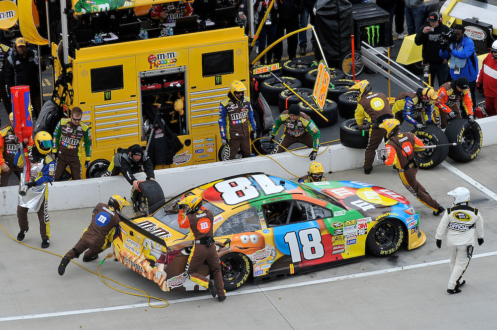 28-30 March, 2014, Martinsville, Virginia USA<br /> Kyle Busch, M&amp;M's Toyota Camry pit stop<br /> &copy;2014 Scott R LePage <br /> LAT Photo USA