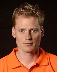 28-06-2013 VOLLEYBAL: NEDERLANDS MEISJES VOLLEYBALTEAM: ARNHEM <br /> Selectie Jeugd Oranje meisjes seizoen 2013-2014 / Assistent coach Trainer Matt van Wezel<br /> ©2013-FotoHoogendoorn.nl