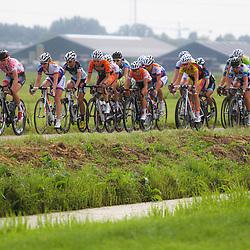 Boels Rental Ladiestour 2013 Papendrecht Ellen van Dijk leidt de achtervolging op de kop