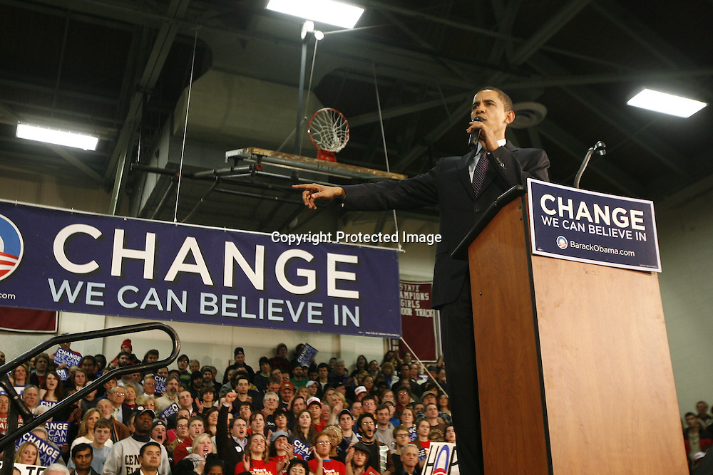 U.S. Democratic Presidential candidate Senator Barack Obama (D-IL) speaks to supporters during a campaign stop in Concord, New Hampshire January 6, 2008.