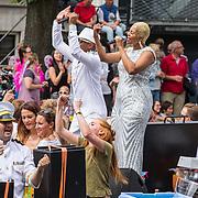 NLD/Amsterdam/20170805 - Gaypride 2017, boot Radio Decibel, optreden T Spoon Stacey C en Linda Estelle