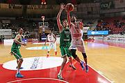 DESCRIZIONE: Varese FIBA Europe cup 2015-16 <br /> Openjobmetis Varese vs Sodertalje Kings<br /> GIOCATORE: Roko Ukic<br /> CATEGORIA: penetrazione sottomano<br /> SQUADRA: Openjobmetis Varese<br /> EVENTO: FIBA Europe Cup 2015-2016<br /> GARA: EA7 Openjobmetis Varese Sodertalje Kings<br /> DATA: 22/12/2015<br /> SPORT: Pallacanestro<br /> AUTORE: Agenzia Ciamillo-Castoria/A. Ossola<br /> Galleria: FIBA Europe Cup 2015-2016<br /> Fotonotizia: Varese FIBA Europe Cup 2015-16 <br /> Openjobmetis Varese Sodertalje Kings