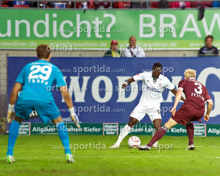 29.04.2011, Fritz-Walter Stadion, Kaiserslautern, GER, 1. FBL, 1.FC Kaiserslautern vs FC St. Pauli, im Bild vl. Kevin TRAPP  (Kaiserslautern #29 GER), Charles Takyi (St. Pauli #10), EXPA Pictures © 2011, PhotoCredit: EXPA/ nph/  Roth       ****** out of GER / SWE / CRO  / BEL ******