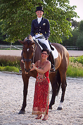 Bateson Katherine (USA) - Nartan together with Jeanette Haazen former owner-rider<br /> Roosendaal 2010<br /> © Hippo Foto - Leanjo de Koster