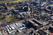 Nederland, Limburg, Venlo, 07-03-2010; Venlo, binnenstad met Grote of St. Martinuskerk,  zondagsmarkt op het Monseigneur Nolensplein.City centre with St. Martin's and sunday market.luchtfoto (toeslag), aerial photo (additional fee required).foto/photo Siebe Swart