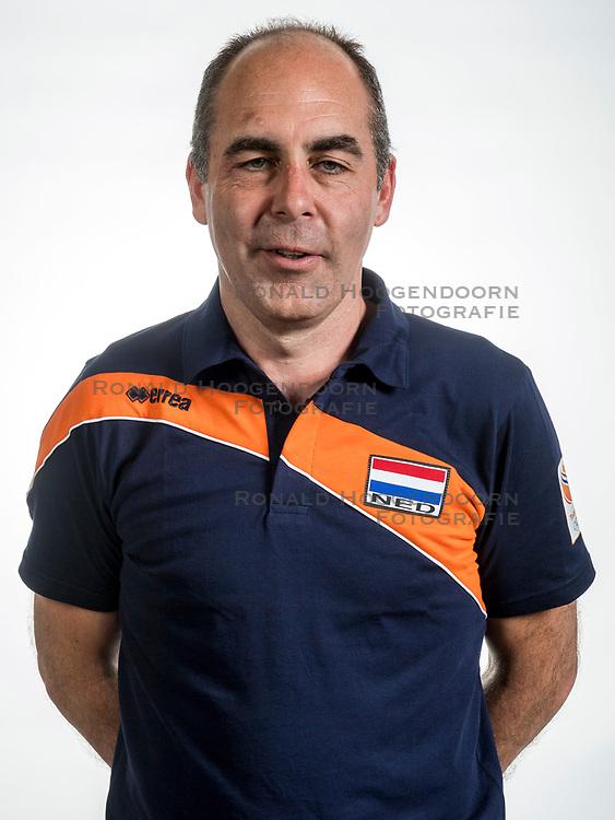 22-05-2017 NED: Nederlands volleybalteam vrouwen, Utrecht<br /> Photoshoot met Oranje vrouwen seizoen 2017 / Rinke van den Brink, Fysio