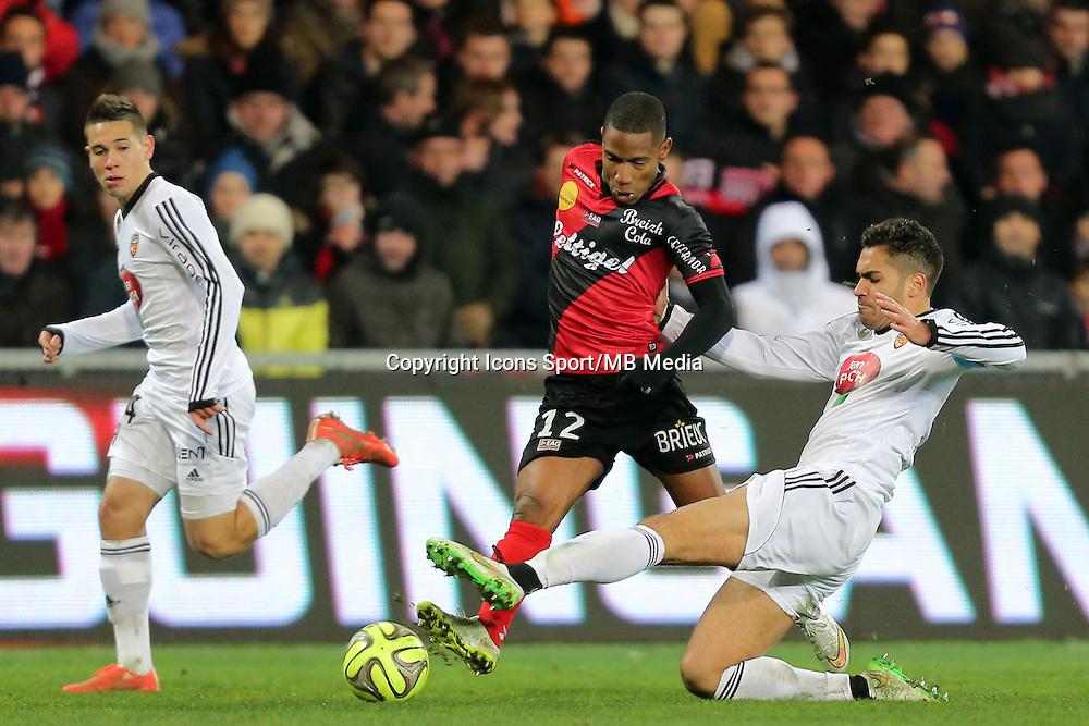 Claudio BEAUVUE / Wesley LAUTOA  - 24.01.2015 - Guingamp / Lorient - 22eme journee de Ligue1<br />Photo : Vincent Michel / Icon Sport