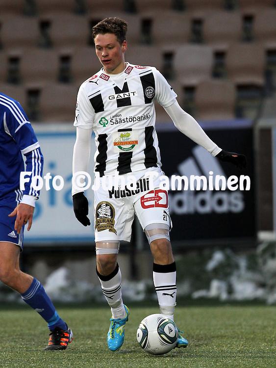 4.4.2012, Sonera Stadion, Helsinki..Liigacupin loppuottelu TPS Turku - HJK Helsinki..Juho Lehtonen - TPS