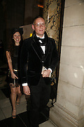 Katy Grand and Giles Deacon, The British Fashion Awards  2006 sponsored by Swarovski . Victoria and Albert Museum. 2 November 2006. ONE TIME USE ONLY - DO NOT ARCHIVE  © Copyright Photograph by Dafydd Jones 66 Stockwell Park Rd. London SW9 0DA Tel 020 7733 0108 www.dafjones.com