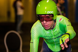 URAN URAN Rigoberto from Colombia of Cannondale Pro Cycling Team (USA) before the start at velodrome Omnisport, stage 1 (ITT) from Apeldoorn to Apeldoorn running 9,8 km of the 99th Giro d'Italia (UCI WorldTour), The Netherlands, 6 May 2016. Photo by Pim Nijland / PelotonPhotos.com | All photos usage must carry mandatory copyright credit ( Peloton Photos | Pim Nijland)
