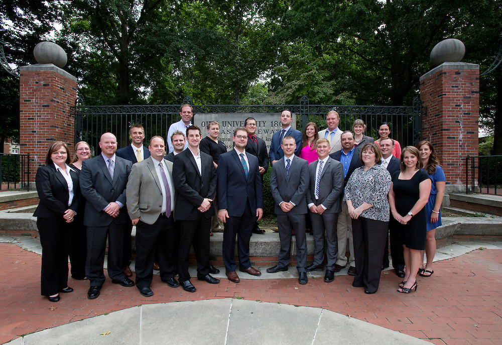 Professional MBA Group Portrait. Photo by Lauren Pond
