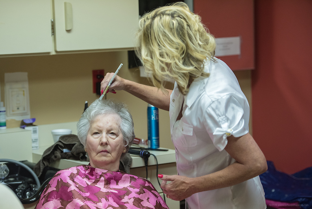 Patient Hazel Trummer has her hair done by stylist Tammy Sharp, Wednesday, May 27, 2015 at Baptist Health in LaGrange, Ky. (Photo by Brian Bohannon/Videobred for Baptist Health)