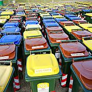deposito di cassonetti della raccolta differenziata