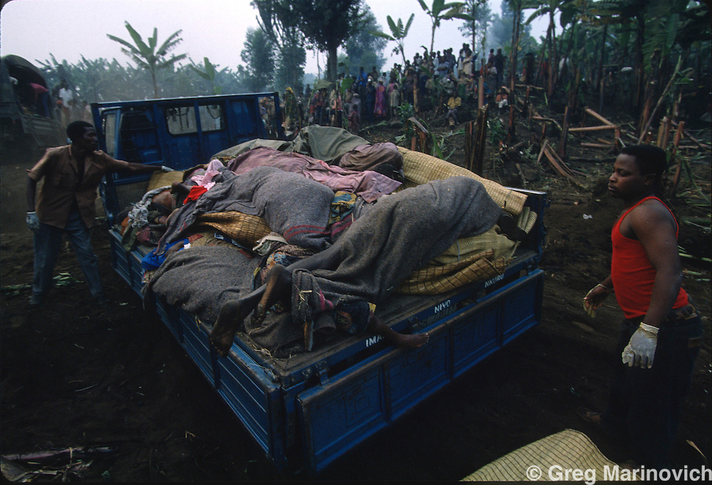 Goma, Zaire, Rwandan civilians, militia and army escape RPF takeover that followed and stopped the genocide of Rwandan Tutsis and Hutu moderates by extremist Hutus. 1994. Greg Marinovich