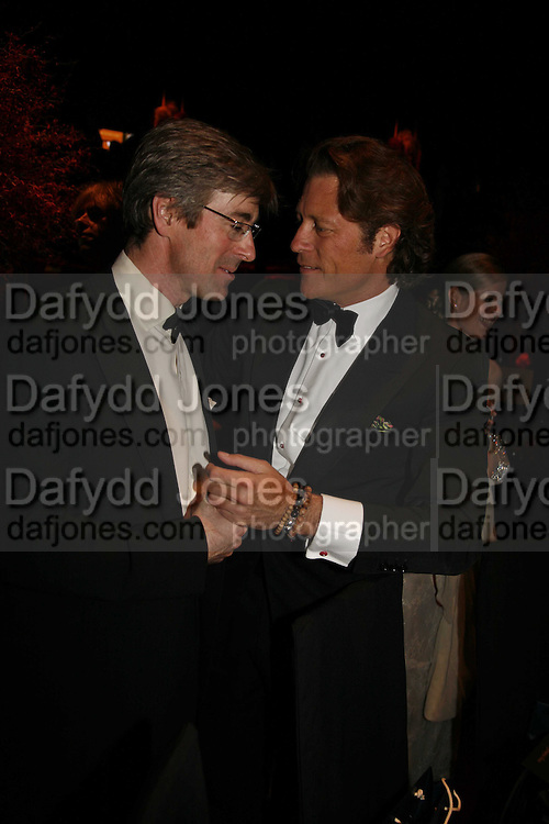 Tim Taylor and Arpad Busson, Ark Gala Dinner, Marlborough House, London. 5 May 2006. ONE TIME USE ONLY - DO NOT ARCHIVE  © Copyright Photograph by Dafydd Jones 66 Stockwell Park Rd. London SW9 0DA Tel 020 7733 0108 www.dafjones.com