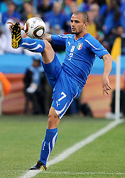 24.06.2010, Ellis Park Stadium, Johannesburg, RSA, FIFA WM 2010, Slovakia (SVK) and Italy (ITA), im Bild Simone Pepe (Italia) .. EXPA Pictures © 2010, PhotoCredit: EXPA/ InsideFoto/ Giorgio Perottino +++ for AUT and SLO only +++ / SPORTIDA PHOTO AGENCY
