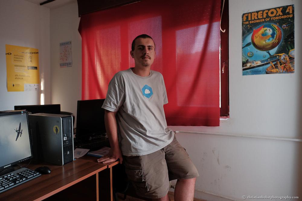 Gent Thaçi, Student in Computerwissenschaften und Mitbegründer des Hackerspace Pristina