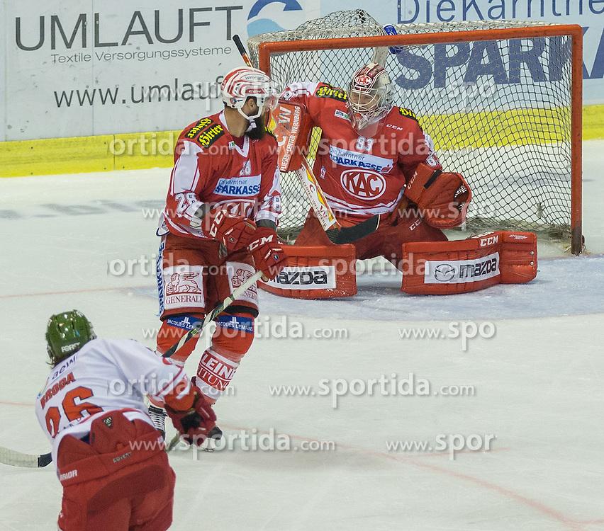 27.09.2015, Stadthalle, Klagenfurt, AUT, EBEL, EC KAC vs HCB Suedtirol, im Bild 2:1 durch Broda Joel (HCB Suedtirol #26), Martin Schumnig (EC KAC, #28), Pekka Tuokkola (EC KAC, #83) // during the Erste Bank Eishockey League match betweeen EC KAC and HCB Suedtirol at the City Hall in Klagenfurt, Austria on 2015/09/27. EXPA Pictures © 2015, PhotoCredit: EXPA/ Gert Steinthaler