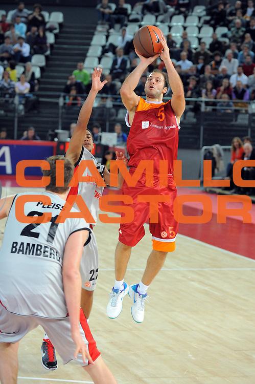 DESCRIZIONE : Roma Eurolega 2010-11 Lottomatica Virtus Roma Brose Baskets Bamberg<br /> GIOCATORE : Jacopo Giachetti<br /> SQUADRA : Lottomatica Virtus Roma<br /> EVENTO : Eurolega 2010-2011<br /> GARA :  Lottomatica Virtus Roma Brose Baskets Bamberg<br /> DATA : 20/10/2010<br /> CATEGORIA : Tiro Three Points<br /> SPORT : Pallacanestro <br /> AUTORE : Agenzia Ciamillo-Castoria/GiulioCiamillo<br /> Galleria : Eurolega 2010-2011<br /> Fotonotizia : Roma Eurolega Euroleague 2010-11 Lottomatica Virtus Roma Brose Baskets Bamberg<br /> Predefinita :