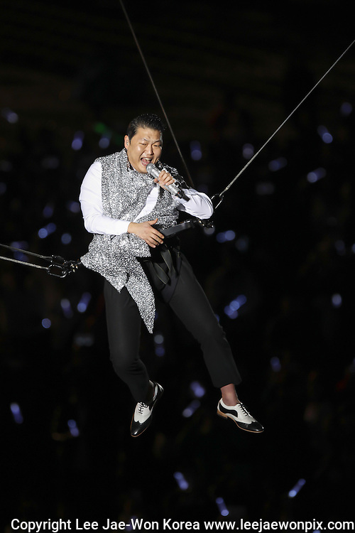 "South Korean rapper Psy performs during his concert ""Happening"" in Seoul April 13, 2013. Photo by Lee Jae-Won (SOUTH KOREA)  www.leejaewonpix.com"