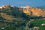 SPAIN, ANDALUSIA Arcos de la Frontera hilltop village