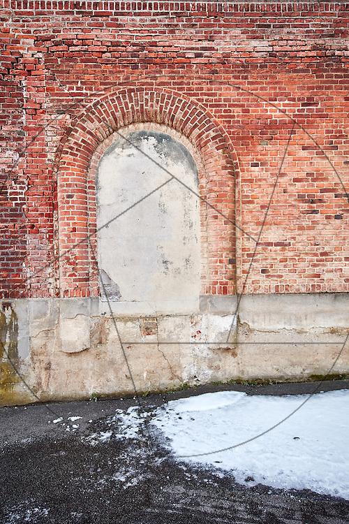 Det gamle Elefanthus, før renovering, før miljøsanering, Københavns Zoo, Københavns Zoologiske have, murstensmur, bue, blændet buedør