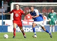 Fotball<br /> 04.09.2004<br /> Foto:SBI/Digitalsport<br /> NORWAY ONLY<br /> <br /> Coca Cola League One.<br /> Peterborough V Bristol City<br /> <br /> Peterborough United's Leon Constantine battles with Bristol City's player manager Brian Tinnion