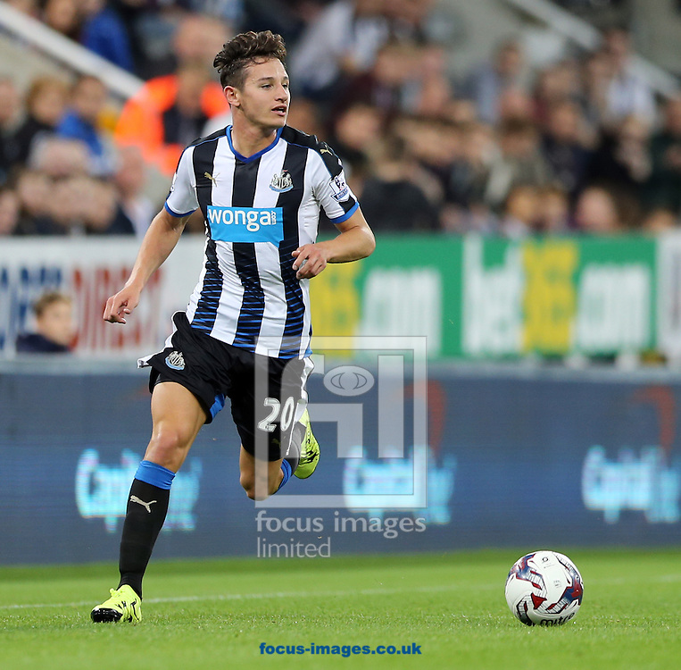 Florian Thauvin of Newcastle United during the Capital One Cup match at St. James's Park, Newcastle<br /> Picture by Simon Moore/Focus Images Ltd 07807 671782<br /> 23/09/2015