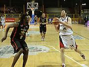 DESCRIZIONE : Lodi Lega A2 2009-10 Campionato UCC Casalpusterlengo - Riviera Solare RN<br /> GIOCATORE : Ebi Ndudi vs Troy Ostler<br /> SQUADRA : UCC Casalpusterlengo<br /> EVENTO : Campionato Lega A2 2009-2010<br /> GARA : UCC Casalpusterlengo Riviera Solare RN<br /> DATA : 14/03/2010<br /> CATEGORIA : Penetrazione<br /> SPORT : Pallacanestro <br /> AUTORE : Agenzia Ciamillo-Castoria/D.Pescosolido