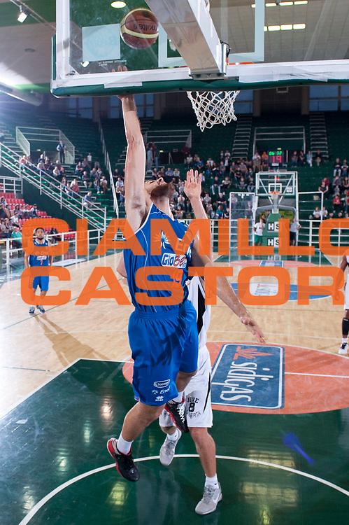 DESCRIZIONE : Avellino 20 Torneo Vito Lepore 2012-13 Juve Caserta Enel Brindisi  Finale 3 e 4 posto<br /> GIOCATORE : Andrea Zerini<br /> SQUADRA : Enel Brindisi<br /> EVENTO : 20 Torneo Vito Lepore<br /> GARA : Juve Caserta Enel Brindisi<br /> DATA : 23/09/2012<br /> CATEGORIA : Appoggio a canestro<br /> SPORT : Pallacanestro<br /> AUTORE : Agenzia Ciamillo-Castoria/G. Buco<br /> Galleria : Lega Basket A 2012-2013<br /> Fotonotizia : Avellino 20 Torneo Vito Lepore 2012-13 Juve Caserta Enel Brindisi Finale 3 e 4 posto<br /> Predefinita :