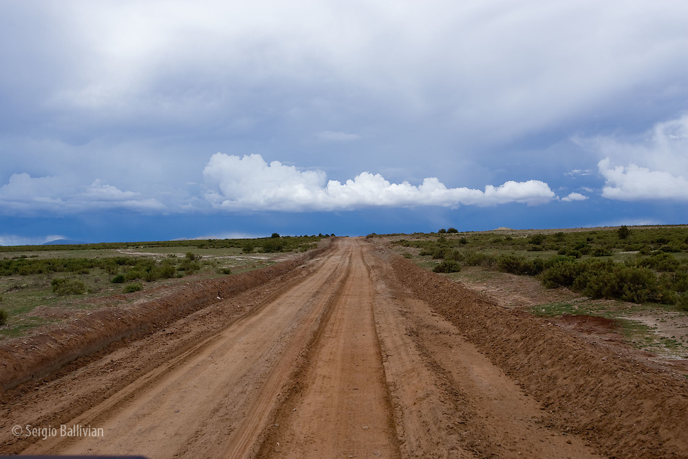 Views out the window of a 4x4 on the road to Uyuni-Huari in Bolivia