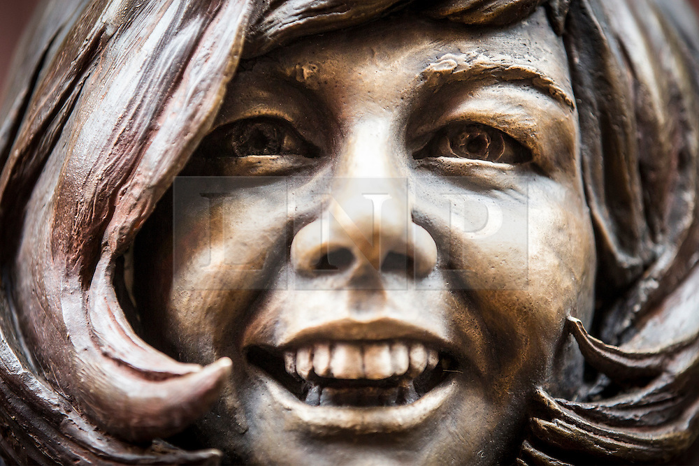 © Licensed to London News Pictures. 16/01/2017. Liverpool UK. A statue of the late Cilla Black has been unveiled this morning outside the original entrance to the Cavern Club in Liverpool. Photo credit: Andrew McCaren/LNP