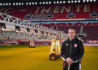 ENSCHEDE - grasmeester van FC Twente, Henry de Weert, groundsman van FC Twente.COPYRIGHT KOEN SUYK