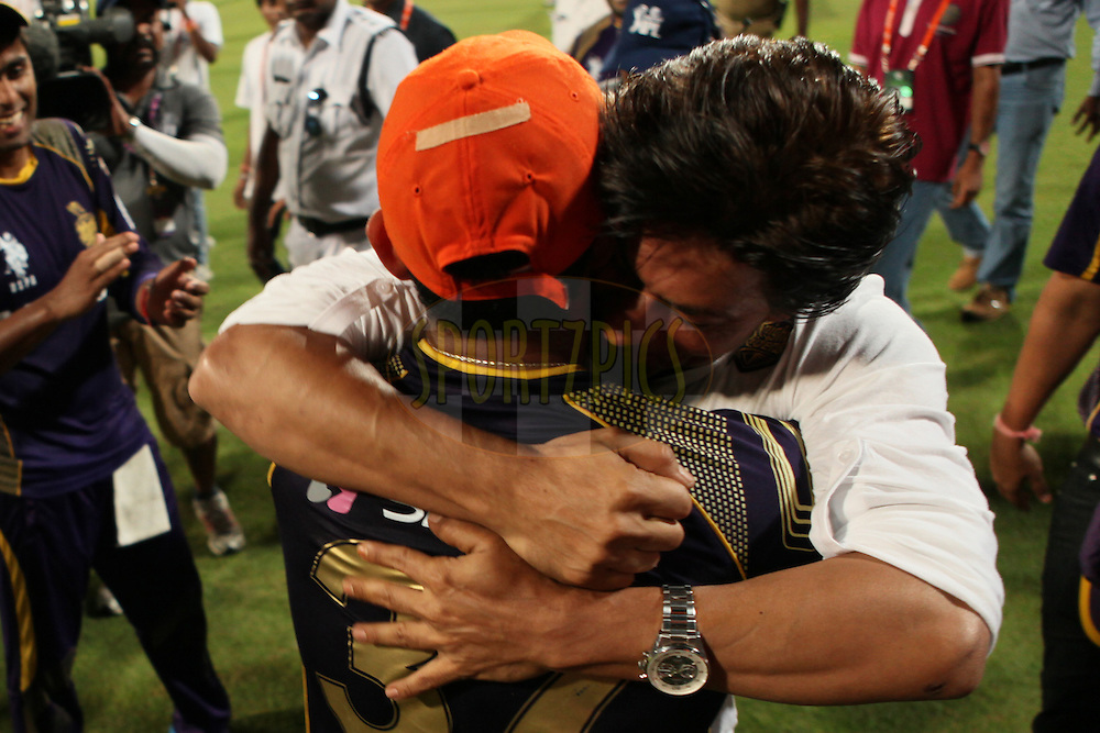 SRK congratulating his team after winning the match during the first qualifier match (QF1) of the Pepsi Indian Premier League Season 2014 between the Kings XI Punjab and the Kolkata Knight Riders held at the Eden Gardens Cricket Stadium, Kolkata, India on the 28th May  2014<br /> <br /> Photo by Saikat Das / IPL / SPORTZPICS<br /> <br /> <br /> <br /> Image use subject to terms and conditions which can be found here:  http://sportzpics.photoshelter.com/gallery/Pepsi-IPL-Image-terms-and-conditions/G00004VW1IVJ.gB0/C0000TScjhBM6ikg