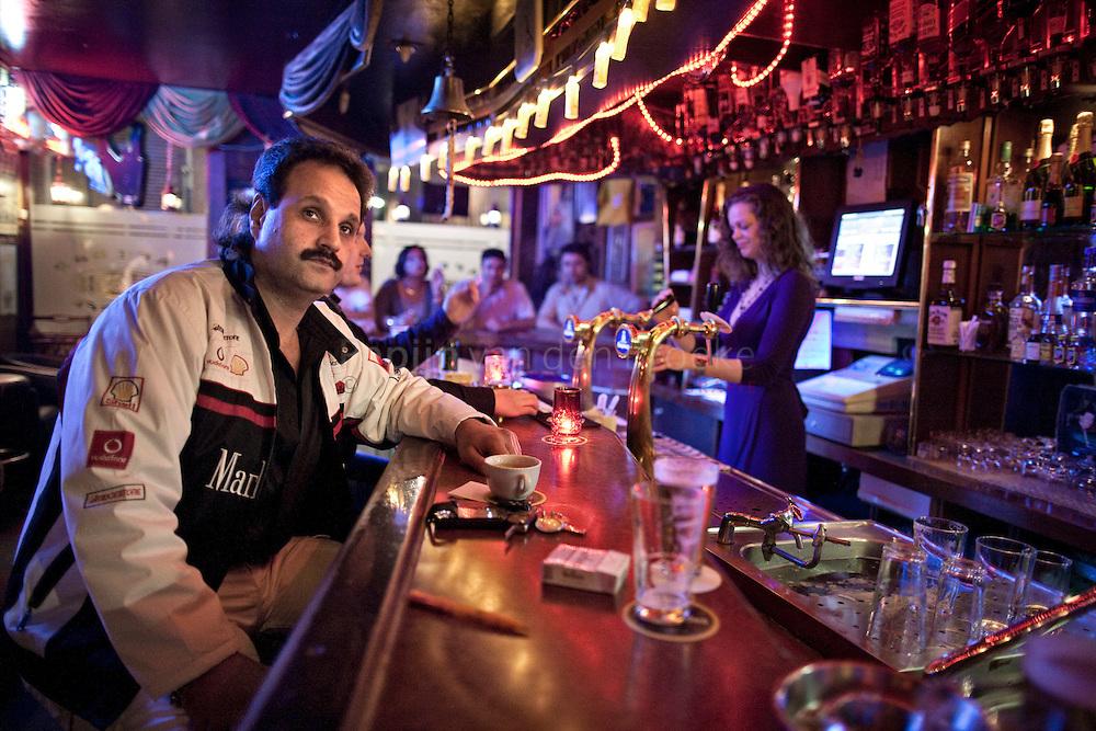 Groningen 20100521. Sayid (van oa Het Land van Belofte) in cafe het stoepje (muurstraat). foto: pepijn van den Broeke.