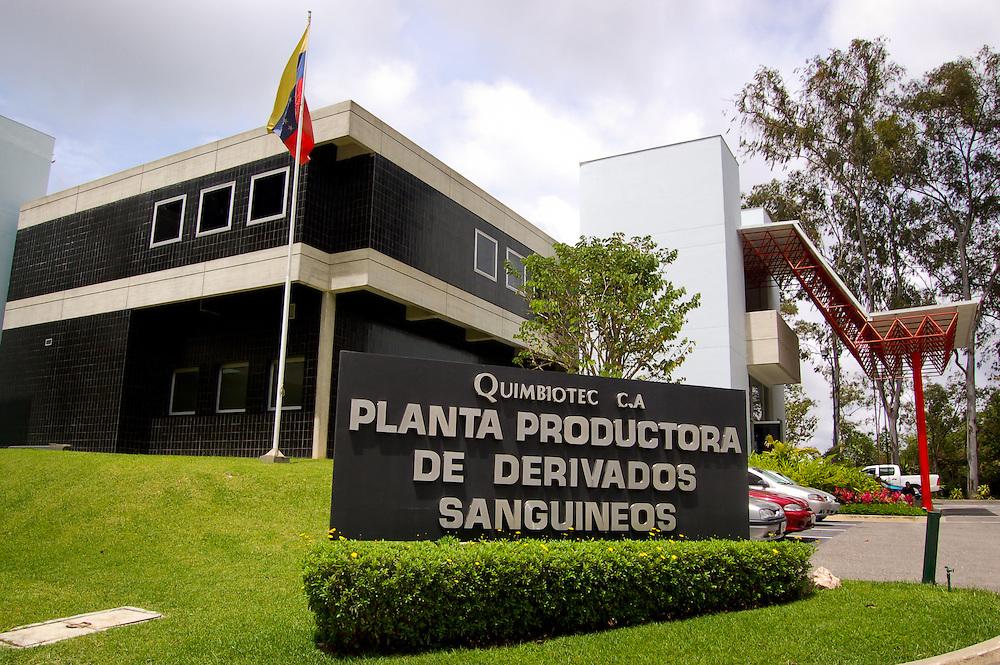 QUIMBIOTEC C.A.<br /> San Antonio de los Altos, Estado Miranda - Venezuela 2007<br /> QUIMBIOTEC es una empresa sin fines de lucro del Estado venezolano creada en diciembre del a&ntilde;o 1988. Pertenece al Instituto Venezolano de Investigaciones Cient&iacute;ficas (IVIC) y est&aacute; adscrita al Ministerio de Ciencia y Tecnolog&iacute;a (MCT).<br /> Su Objetivo es la elaboraci&oacute;n y comercializaci&oacute;n de derivados sangu&iacute;neos y otros productos qu&iacute;micos y biol&oacute;gicos de alta calidad y tecnolog&iacute;a de punta en la Planta Productora de Derivados Sangu&iacute;neos (PPDS).<br /> Photography by Aaron Sosa