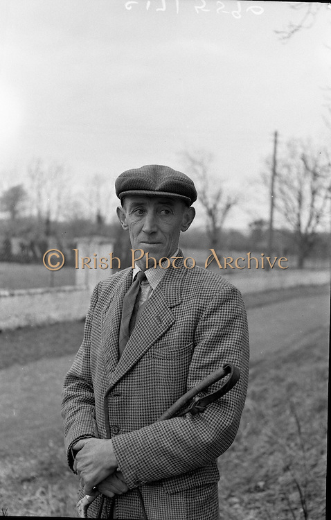 Harry Walker, Kennelman, Westmeath Hounds, Mullingar.1962..05.02.1962..02.05.1962..5th February 1962..Image shows noted kennelman Mr Harry Walker at his home at The Kennels, Knockdrin, Mullingar ,Co WestMeath.