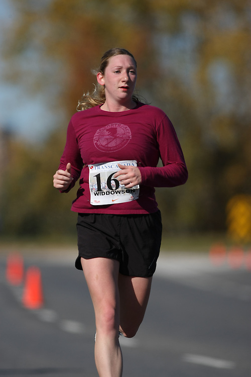 (Ottawa, ON---18 October 2008) LEIGH WIDDOWSON competes in the 2008 TransCanada 10km Canadian Road Race Championships. Photograph copyright Sean Burges/Mundo Sport Images (www.msievents.com).