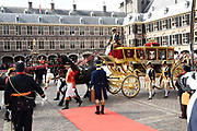 Op Prinsjesdag 2018 spreekt het staatshoofd in de Staten-Generaal van het Koninkrijk der Nederlanden in verenigde vergadering bijeen de troonrede uit. Daarin geeft de regering aan wat het regeringsbeleid zal zijn voor het komende jaar. <br /> <br /> On State Opening of Parlement (Prinsjesdag) 2018, the head of state in the States-General of the Kingdom of the Netherlands meets in a joint meeting the speech of the throne. In it, the government indicates what the government policy will be for the coming year.<br /> <br /> op de foto / On the photo:  Aankomst Ridderzaal met Koning Willem Alexander en koningin Maxima / Arrival of the Ridderzaal with King Willem Alexander and Queen Maxima