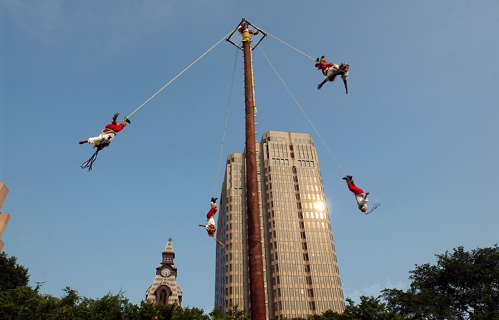 NE6/22/06 2Flyers<br /> ML0277E<br /> Los Voladores de Papantla perform during the Int'l Festival of Arts &amp; Ideas on the New Haven Green. Photo by Mara Lavitt