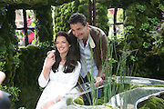 RACHEL DE THAME AND GERARD, Opening day of the Chelsea Flower Show. Royal Hospital Grounds. London. 19 May 2008 *** Local Caption *** -DO NOT ARCHIVE-© Copyright Photograph by Dafydd Jones. 248 Clapham Rd. London SW9 0PZ. Tel 0207 820 0771. www.dafjones.com.