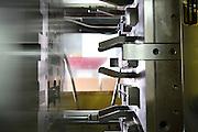 Reportage entreprise ATM Plasturgie, industrie specialisee dans l'aeronautique, a Oyonnax.