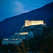 Il Forte di Bard è un complesso fortificato fatto riedificare nel XIX secolo da Casa Savoia sulla rocca che sovrasta il borgo di Bard, in Valle d'Aosta.<br /> Dopo un lungo periodo di abbandono, il forte è stato totalmente restaurato: è stato aperto ai visitatori nel gennaio 2006. Attualmente ospita importanti mostre ed è sede del Museo delle Alpi.<br /> <br /> The Bard is a fortified complex in the nineteenth century did rebuild the House of Savoy on the rock overlooking the village of Bard, Valle d'Aosta (ITALY)<br /> After a long period of neglect, the fort was totally restored: it was opened to visitors in January 2006. Currently hosting important exhibitions and is home to the Museum of the Alps