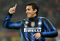 Diego Milito (Inter) <br /> Inter Bologna - Campionato di Seire A Tim 2010-2011<br /> Stadio Giuseppe Meazza, San Siro, Milano, 15/01/2011<br /> © Giorgio Perottino / Insidefoto