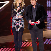 NLD/Hilversum/20151211 - 2e Liveshow The Voice of Holland, TVOH, Wendy van Dijk en Martijn Krabbe