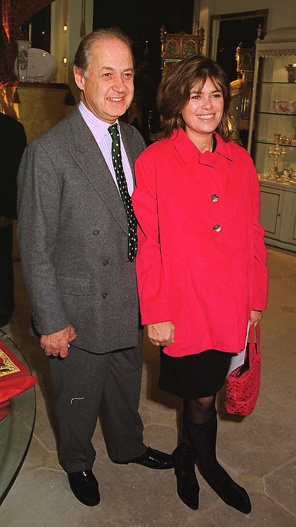 SIR JOHN & LADY LEON he is actor John Standing and she is Sarah Forbes daughter of Brian Forbes and Nanette Newman, at a party in London on 13th October 1998.MKT 53