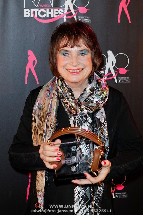 NLD/Amsterdam/20111207- Radiobitches Awards 2011, Anne van Egmond, winnares RadioBitches Ouvre Award 2011 Anne van Egmond