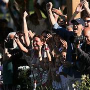 Roma 25/05/2018 Piazza di Siena<br /> 86 CSIO Piazza di Siena<br /> l'esultanza del pubblico al salto finale