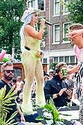 Amsterdam kleurt roze tijdens de 23e editie van de Pride Amsterdam, met als hoogtepunt de wereldberoemde Canal Parade.<br /> <br /> Op de foto: Roxeanne Hazes